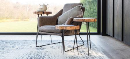 slider-katewell-castleline-pino-isabelle-fotel-stolik