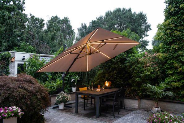 katewell-garden-imressions-hawaiilumenLED-parasol-0241-3
