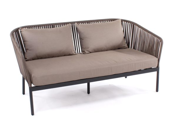 katewell-castle-line-clavo-sofa-1131