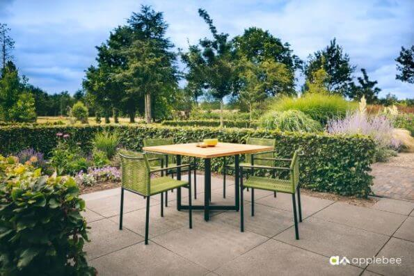 Katewell-applebee-jakarta-krzesło-1709-2